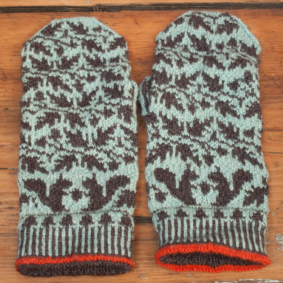 Fair Isle Patterns For Knitting : Pin by Ann Schatzinger on Fair isle knitting patterns Pinterest